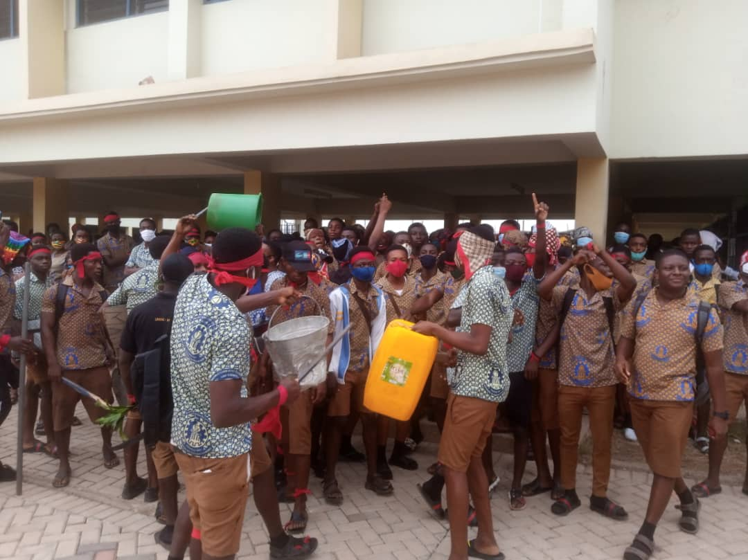 KNUST SHS students protest after death of colleague (VIDEO)